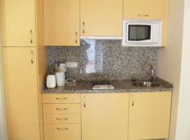 Cocina-Apartamentos-Tarter-Pirineos-3000-TARTER,-EL-Estación-Grandvalira.jpg