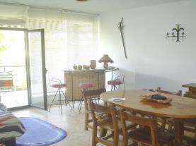 salon-apartamentos-coral-cambrils-3000-cambrils-costa-dorada.jpg