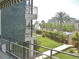 terraza-apartamentos-coral-cambrils-3000-cambrils-costa-dorada.jpg