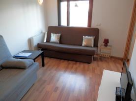 salon_1-apartamentos-la-solana-3000pas-de-la-casa-estacion-grandvalira.jpg