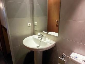 bano-apartamentos-la-solana-3000-pas-de-la-casa-estacion-grandvalira.jpg