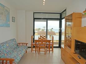 salon-comedor_3-apartamentos-surfing-3000peniscola-costa-azahar.jpg