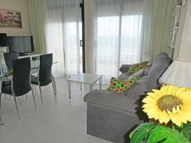 salon-comedor_6-apartamentos-surfing-3000peniscola-costa-azahar.jpg