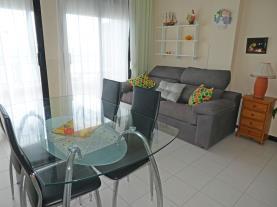 salon-comedor_7-apartamentos-surfing-3000peniscola-costa-azahar.jpg