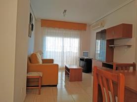 salon-comedor-2-apartamentos-caribe-marina-dor-3000oropesa-del-mar-costa-azahar.jpg