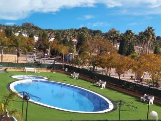 piscina-1-apartamentos-caribe-marina-dor-3000oropesa-del-mar-costa-azahar.jpg
