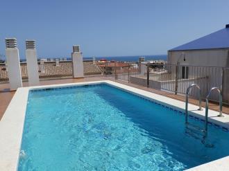 piscina_2-apartamentos-neptuno-3000alcoceber-costa-azahar.jpg
