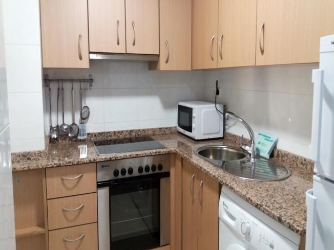 cocina_2-apartamentos-oropesa-del-mar-suites-3000oropesa-del-mar-costa-azahar.jpg