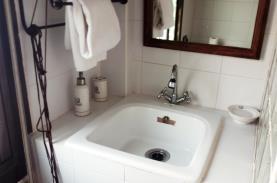 bano-apartamentos-benicassim-3000-sin-piscina-benicasim-costa-azahar.jpg