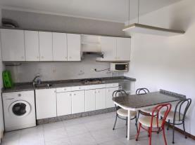 cocina_3-apartamentos-revo-salinas-3000revolta,-a_-noalla_-sanxenxo-galicia_-rias-bajas.jpg