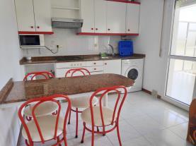 cocina_5-apartamentos-revo-salinas-3000revolta,-a_-noalla_-sanxenxo-galicia_-rias-bajas.jpg