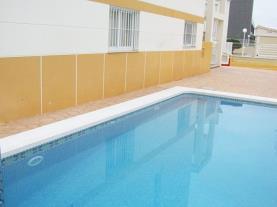 Piscina1-Apartamentos-Penyagolosa-3000-ALCOCEBER-Costa-Azahar.jpg
