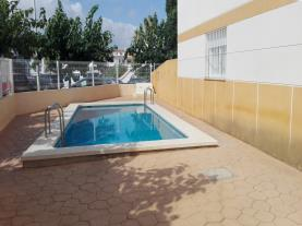 piscina_1-apartamentos-penyagolosa-3000alcoceber-costa-azahar.jpg