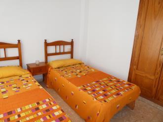 dormitorio_12-apartamentos-gandia-grau-y-playa-3000-gandia-costa-de-valencia.jpg