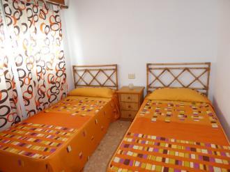 dormitorio_13-apartamentos-gandia-grau-y-playa-3000-gandia-costa-de-valencia.jpg
