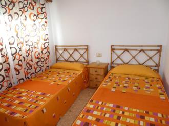 dormitorio_14-apartamentos-gandia-grau-y-playa-3000-gandia-costa-de-valencia.jpg