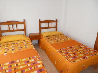 dormitorio_17-apartamentos-gandia-grau-y-playa-3000-gandia-costa-de-valencia.jpg