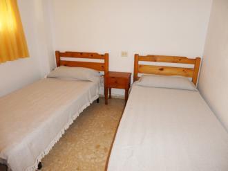 dormitorio_7-apartamentos-gandia-grau-y-playa-3000-gandia-costa-de-valencia.jpg