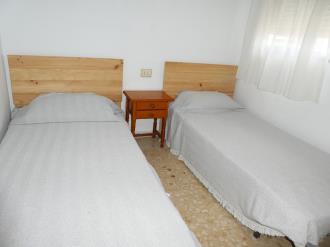 dormitorio_8-apartamentos-gandia-grau-y-playa-3000-gandia-costa-de-valencia.jpg