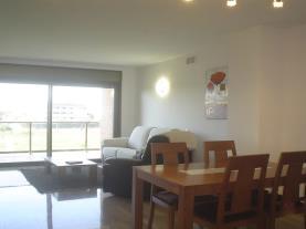 salon-comedor_2-apartamentos-esquirol-3000cambrils-costa-dorada.jpg