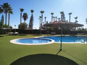 piscina-1-apartamentos-vistamar-marina-dor-3000oropesa-del-mar-costa-azahar.jpg