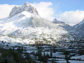 Vistas Sallent Invierno Sallent de Gallego Pirineo Aragonés España