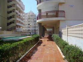 piscina-apartamentos-olimpo-3000-peniscola-costa-azahar.jpg