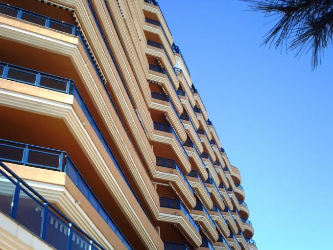 fachada-invierno-apartamentos-tavernes-gandia-3000-tavernes-de-la-valldigna-costa-de-valencia.jpg