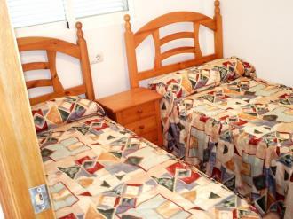 dormitorio-apartamentos-tavernes-gandia-3000-tavernes-de-la-valldigna-costa-de-valencia.jpg