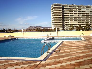 piscina_2-apartamentos-tavernes-gandia-3000tavernes-de-la-valldigna-costa-de-valencia.jpg