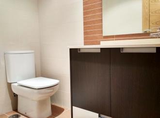 bano_4-apartamentos-revolta-sanxenxo-3000revolta,-a_-noalla_-sanxenxo-galicia_-rias-bajas.jpg