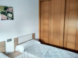dormitorio_11-apartamentos-revolta-sanxenxo-3000revolta,-a_-noalla_-sanxenxo-galicia_-rias-bajas.jpg