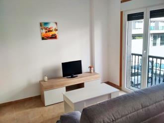 salon-comedor_3-apartamentos-revolta-sanxenxo-3000revolta,-a_-noalla_-sanxenxo-galicia_-rias-bajas.jpg
