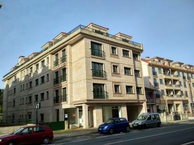fachada-invierno-apartamentos-revolta-sanxenxo-3000-revolta,-a_-noalla_-sanxenxo-galicia_-rias-bajas.jpg