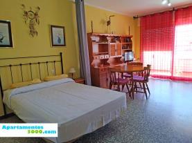 dormitorio-apartamentos-voramar-3000-peniscola-costa-azahar.jpg