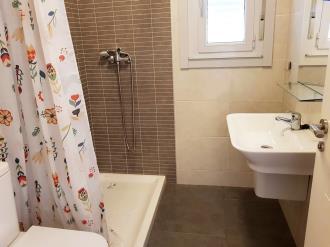 bano_2-apartamentos-ribeira-3000ribeira-galicia_-rias-bajas.jpg