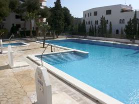 Piscina2-Apartamentos-Arcos-de-las-Fuentes-3000-ALCOCEBER-Costa-Azahar.jpg