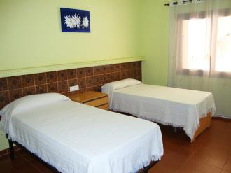 dormitorio_3-apartamentos-arcos-de-las-fuentes-3000alcoceber-costa-azahar.jpg