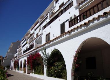 Fachada Verano España Costa Azahar Alcoceber Apartamentos Arcos de las Fuentes 3000