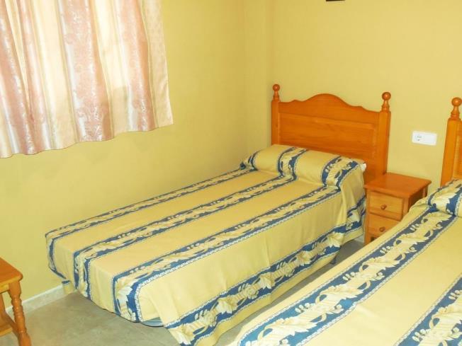 dormitorio_6-apartamentos-madeira-3000alcoceber-costa-azahar.jpg