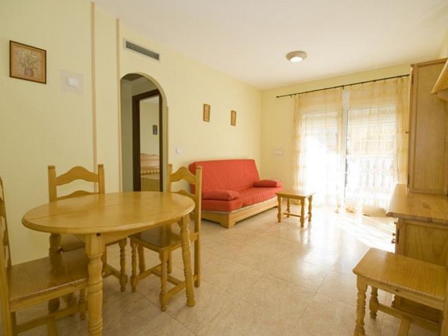 salon-apartamentos-madeira-3000-alcoceber-costa-azahar.jpg