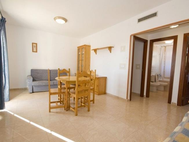 salon_1-apartamentos-madeira-3000alcoceber-costa-azahar.jpg