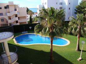 piscina-apartamentos-madeira-3000-alcoceber-costa-azahar.jpg