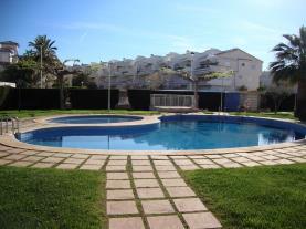 piscina_2-apartamentos-alcala-blau-3000alcoceber-costa-azahar.jpg