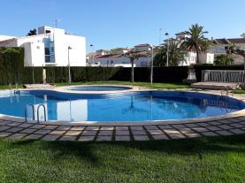 piscina_3-apartamentos-alcala-blau-3000alcoceber-costa-azahar.jpg