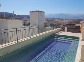 piscina_1-apartamentos-trinidad-deluxe-3000granada-andalucia.jpg