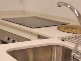 cocina_3-apartamentos-trinidad-deluxe-3000granada-andalucia.jpg