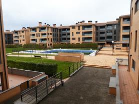 piscina_4-apartamentos-jaca-3000-jaca-pirineo-aragones.jpg
