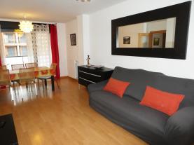 salon-comedor_8-apartamentos-jaca-3000-jaca-pirineo-aragones.jpg