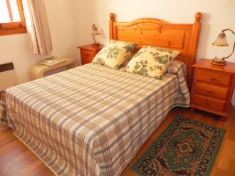 dormitorio-apartamentos-jaca-3000_jaca-pirineo-aragones.jpg